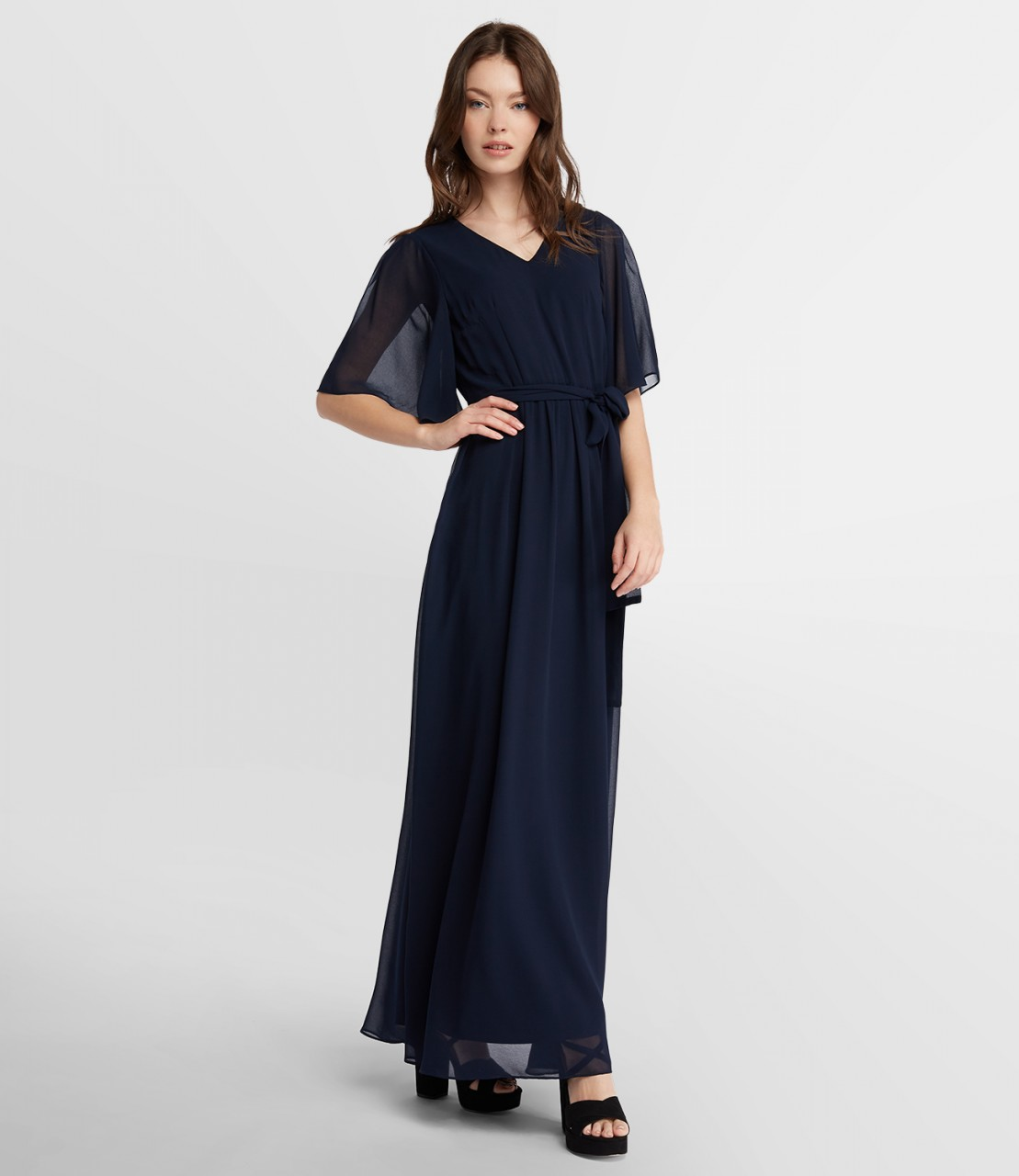 Extralanges Chiffonkleid