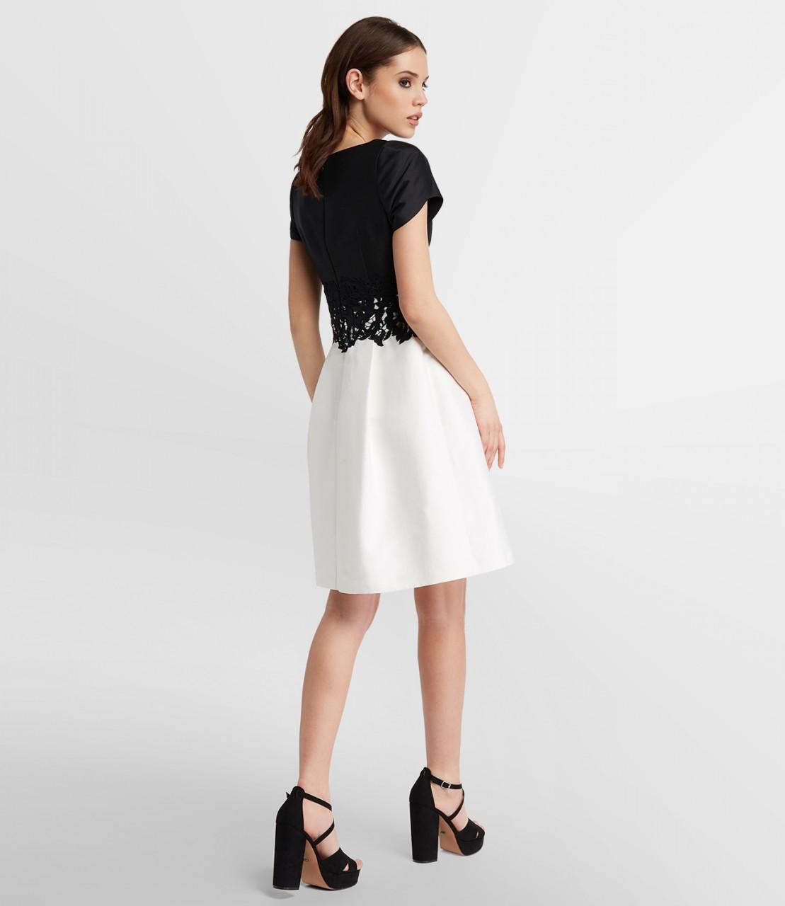 Spitzenverziertes Two-Tone-Kleid